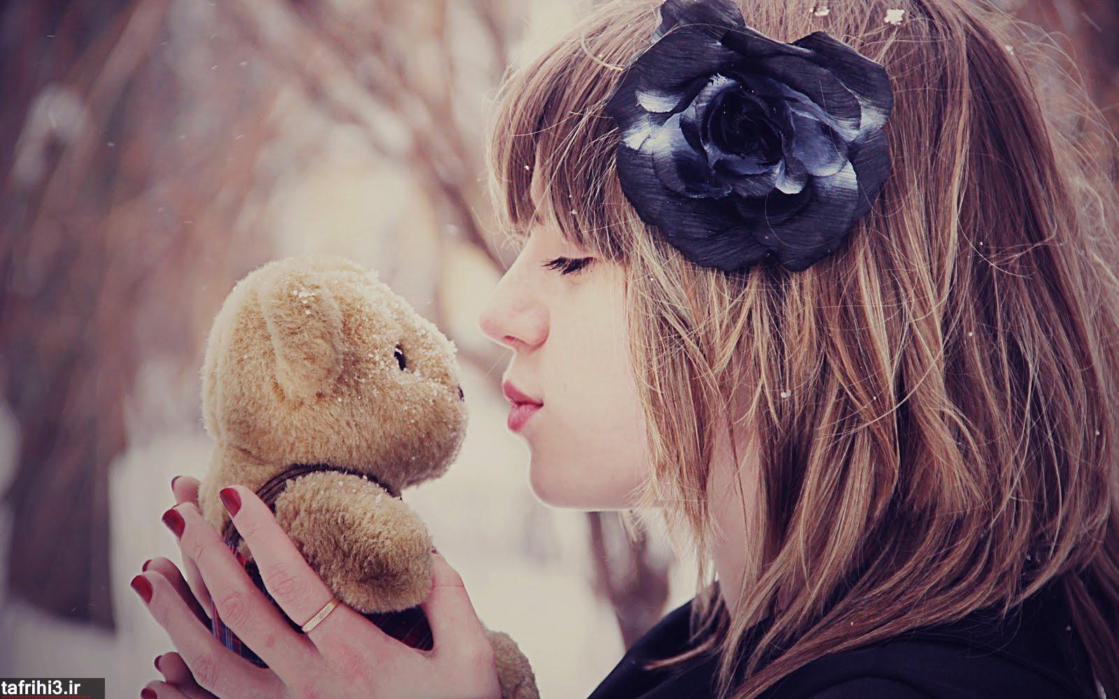 عکس های عاشقانه دختر تنها در زمستان