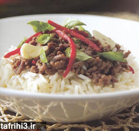طرز تهیه برنج سرخ شده با نارگیل و بیف تایلندی