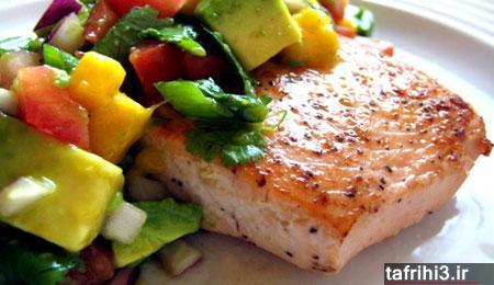 آموزش طرز تهیه ماهی سالمون کبابی با سالسا